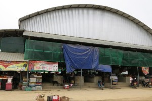 The unimpressive exterior of the Sam Neua market.