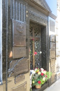 One of the most famous tombs belongs to Eva Perón.